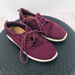 Toms women's burgundy gym shoes size 8.5